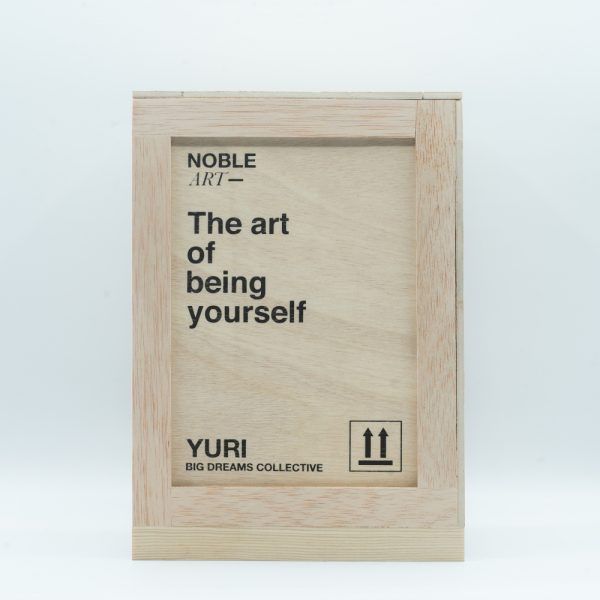 noble-art-yuri-art-toy